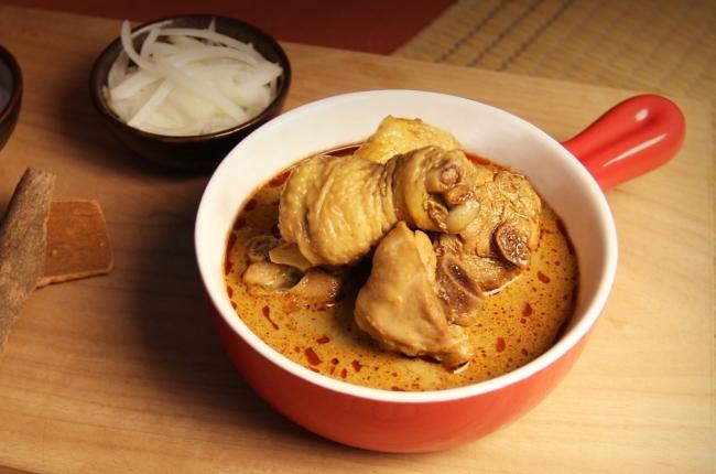 南洋叻沙燉雞煲