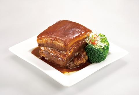 年菜樣式想要豐富一點,主菜、肉類、湯、佛跳牆都要有,想要吃的澎湃又省荷包,螺情年菜組合絕對能一次滿足你! 價格超平價但每樣菜可是毫不馬虎,東坡肉則是運用高溫熱穿透技術製作,肉質 Q 軟滑嫩入口即化,是一道傳統經典美饌!!